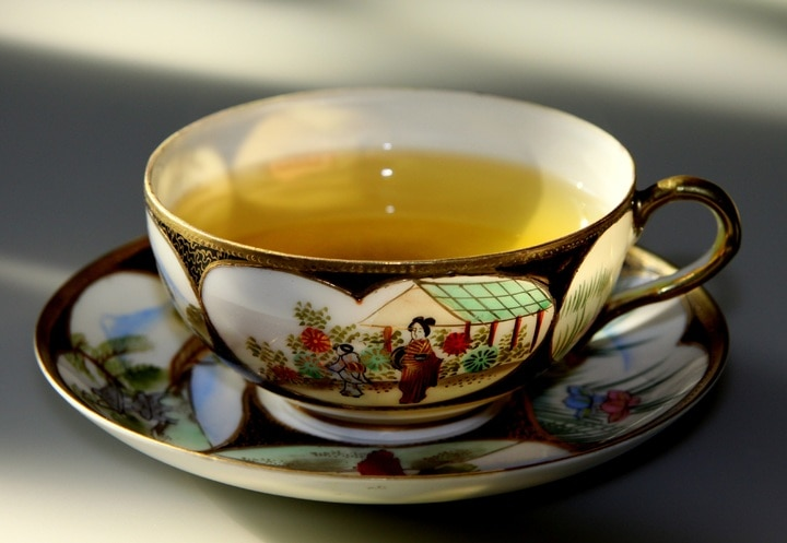 green tea in chinese tea cup