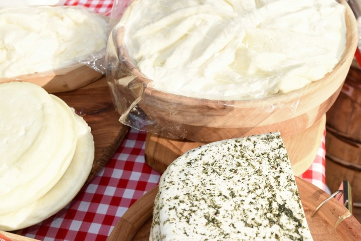 cream cheese and other types of cheese